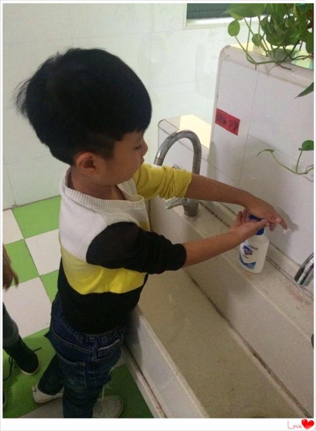 """学会自己洗手 做健康小朋友——皖红幼教舒肤佳""""健康手护""""公益行动"""