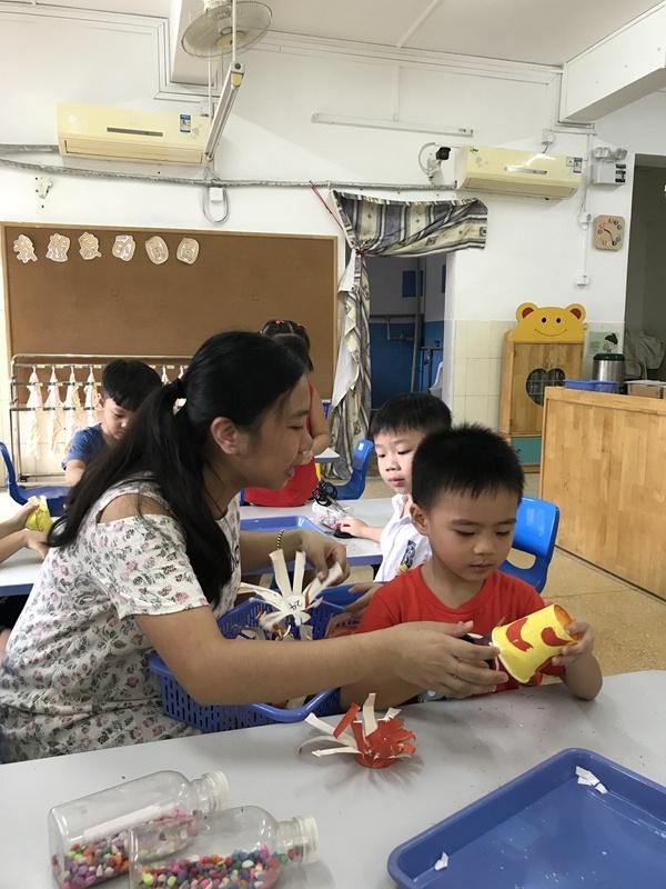 """""""老师老师谢谢您""""—海鸥幼儿园2017年教师节主题教育活动"""