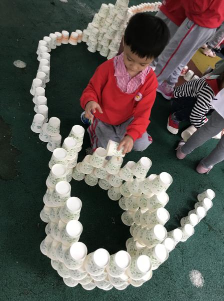 纸杯建构-望月湖幼儿园