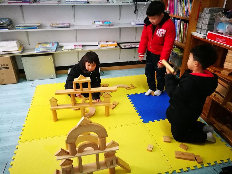 大班年級組主題活動《蓋房子》-南京市小行幼兒園康潤