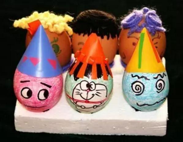 艺术创想:《鸡蛋壳手工绘画》-济南市历下区紫苑幼儿园